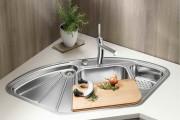 Фото 2 Угловая мойка для кухни (45 фото): интересное решение при нехватке пространства