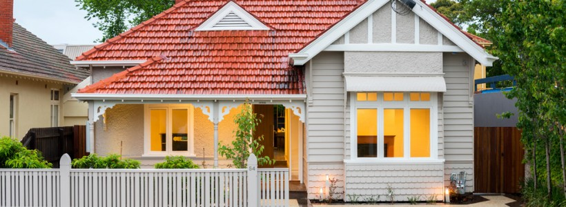 Крыша из металлочерепицы (56 фото): надежность, эстетичность и простота монтажа