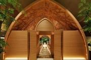 Фото 3 Связь прошлого с будущим в японской свадебной часовне. Шикарная ручная резьба по дереву.