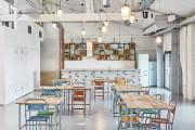 Фото 3 В Амстердаме построили офисы для компании Fairphone в здании старого склада с использованием вторичных материалов