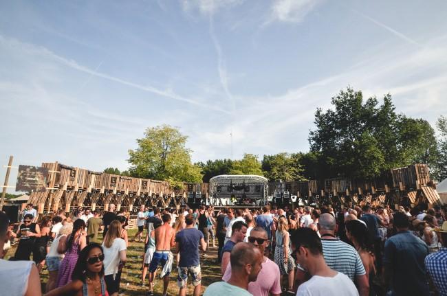 Студенты Технологического университета Эйндховена разработали дизайн сцены для музыкального фестиваля Extrema Outdoor