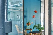 Фото 7 В Амстердаме построили офисы для компании Fairphone в здании старого склада с использованием вторичных материалов