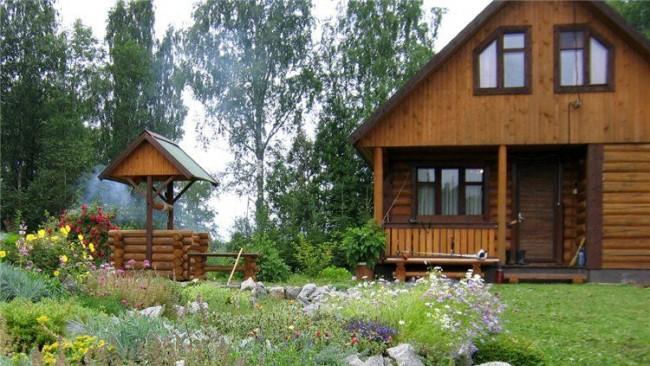 Гармоничное сочетание колодца и стиля загородного дома