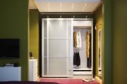 Фото 4 Раздвижные двери для гардеробной (43 фото): плюсы, минусы, виды конструкций