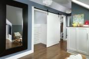 Фото 16 Раздвижные двери для гардеробной (43 фото): плюсы, минусы, виды конструкций