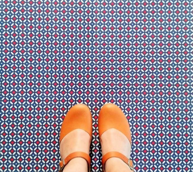 Кварц-виниловая плитка - красивый и приятный вид покрытия