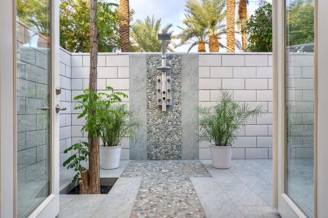 Красивый капитальный душ с мозаикой