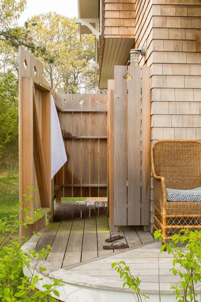 Деревянный летний душ