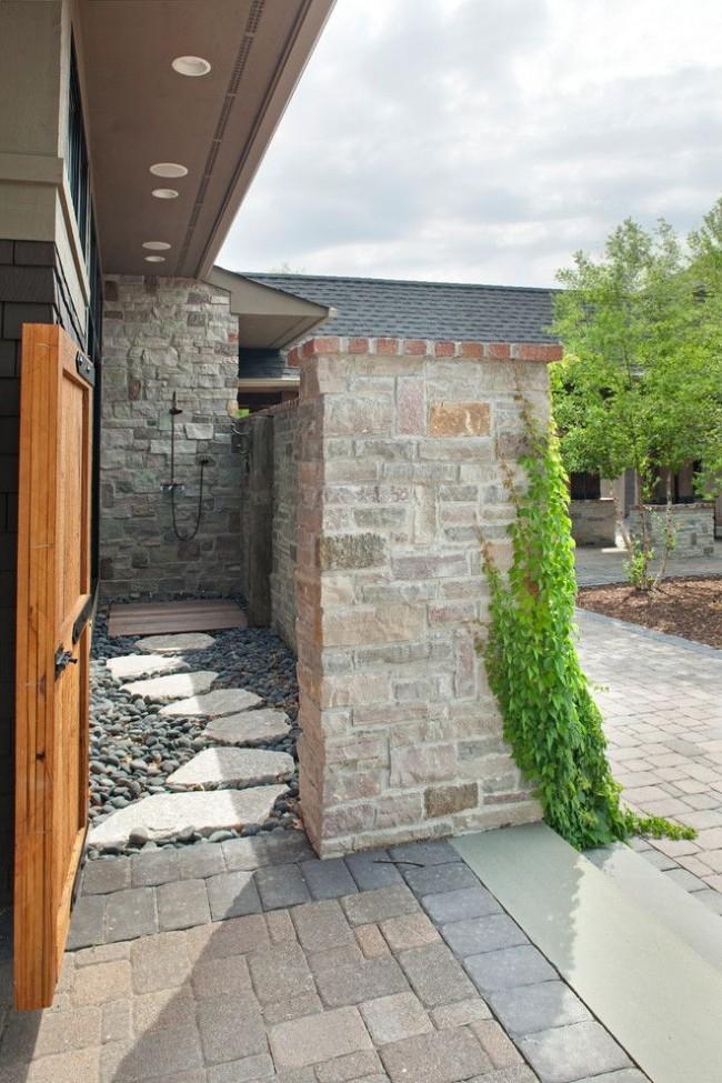 Каменная отделка стен панели душа - универсальный вариант