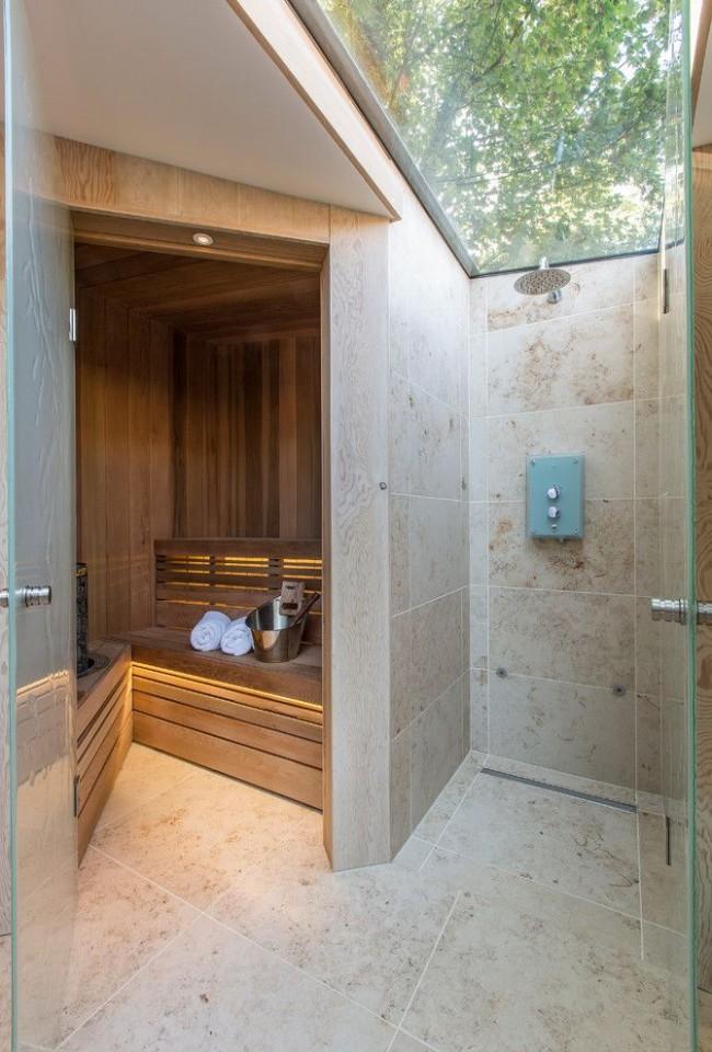 Летний душ, пристроенный к сауне
