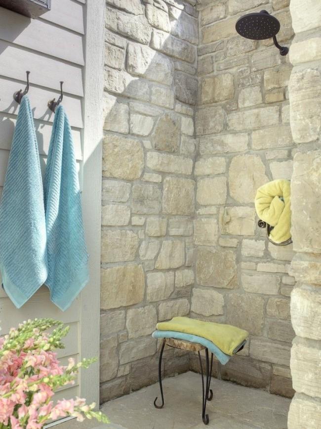 Летний душ в классическом стиле