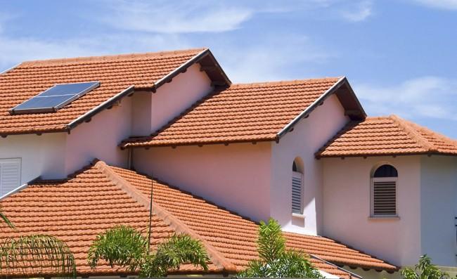 Крыша из металлочерепицы своими руками – вполне выполнимая задача