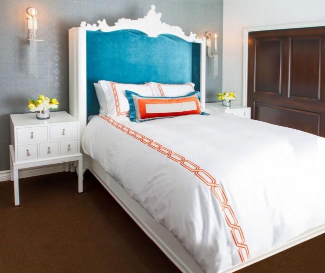 Спальня в стиле фьюжн с обоями под покраску