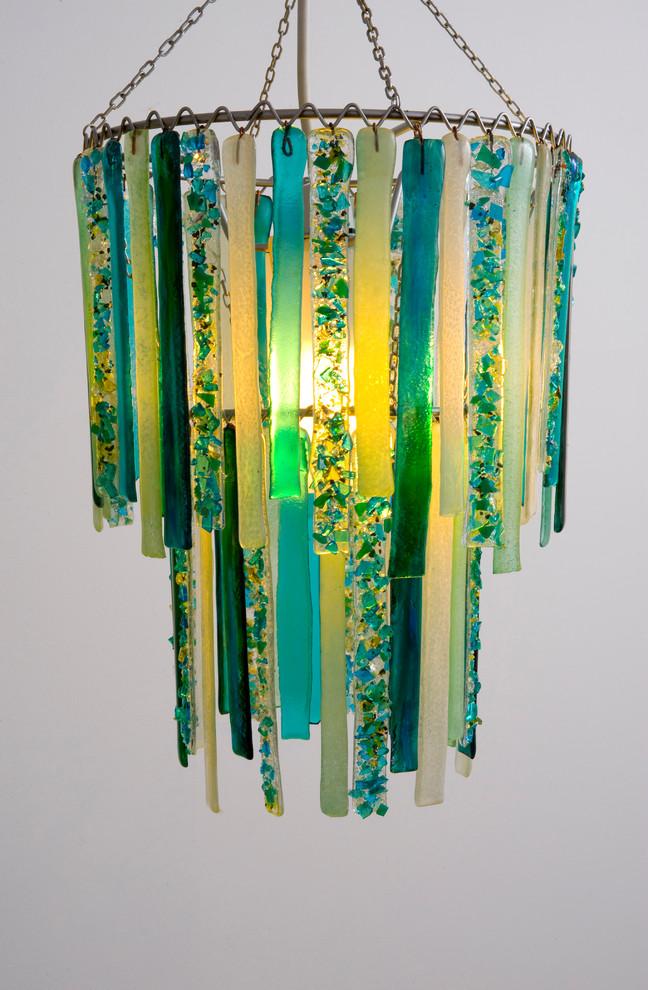 Более сложный в исполнении handmade из цветного стекла