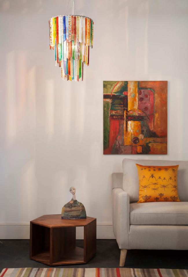 Оформление цветным стеклом - оптимально для рустикальных и этно-интерьеров