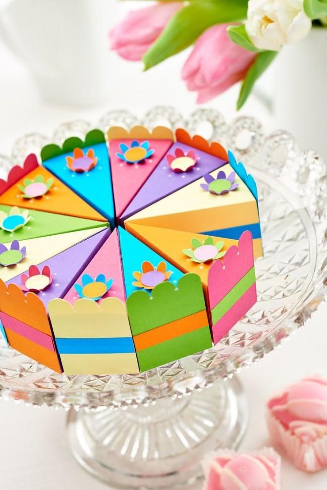 Торт из картона с подарочками для гостей