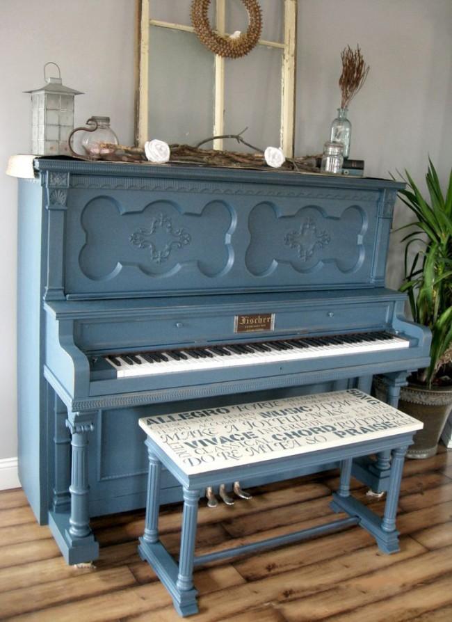 Отреставрированное старое фортепиано