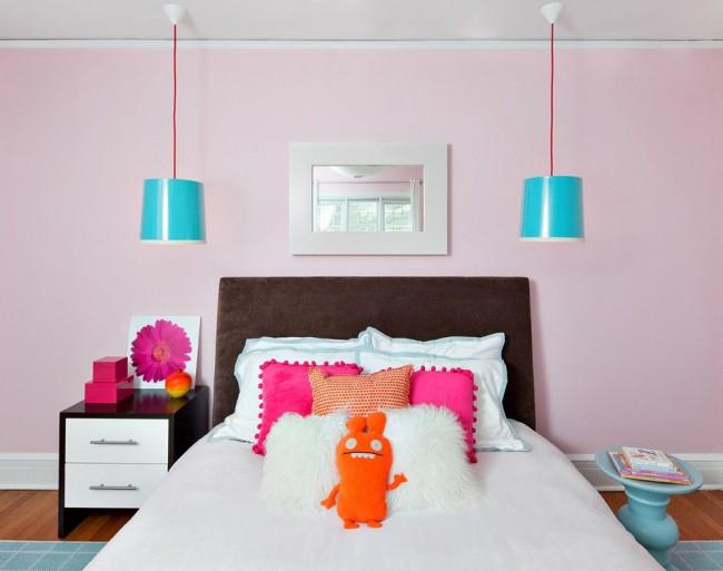 Теплый шоколадный цвет отлично сочетается с голубым и розовым