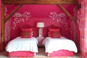 Фото 1 Роспись стен в интерьере (54 фото): оригинальный декор для квартиры