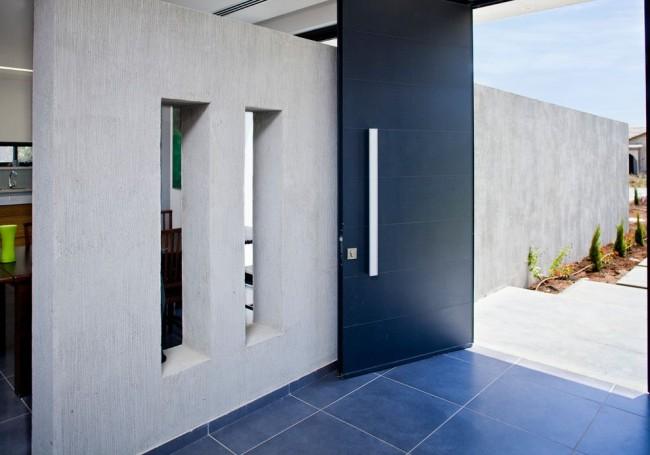 Надежность стальных дверей значительно превышает аналогичные показатели деревянных моделей