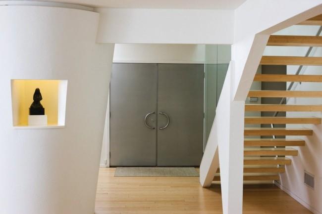 Стальная входная дверь должна гарантировать защиту от внешнего нежелательного проникновения
