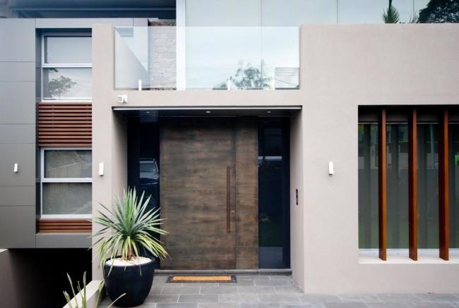 Стальные двери нуждаются в защите от влаги