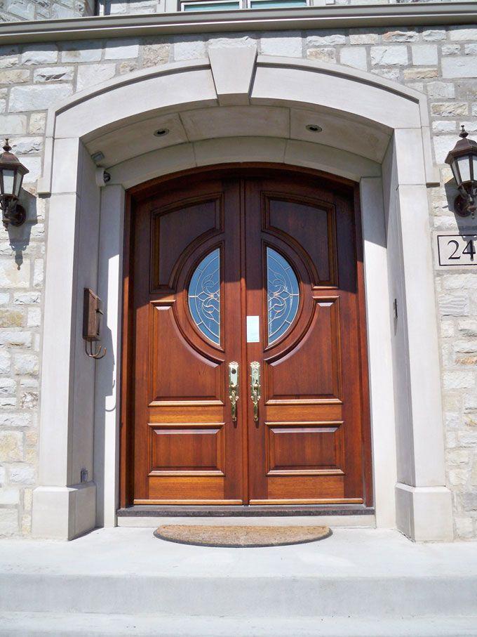 металлическая дверь служебного помещения