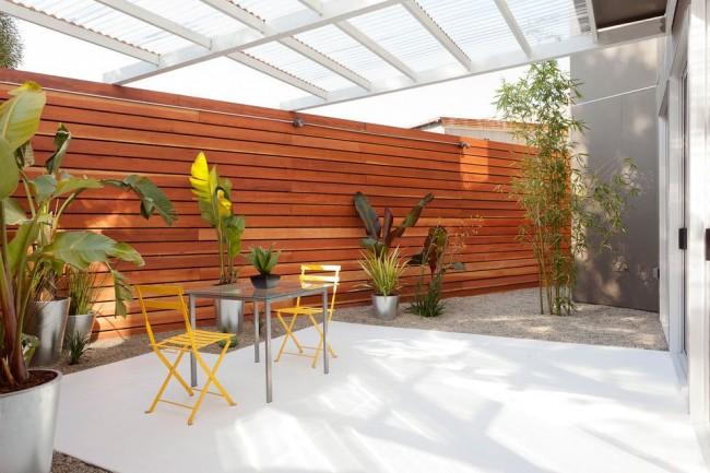 Террасы из поликарбоната быстро стали популярными в области дачного и загородного индивидуального строительства