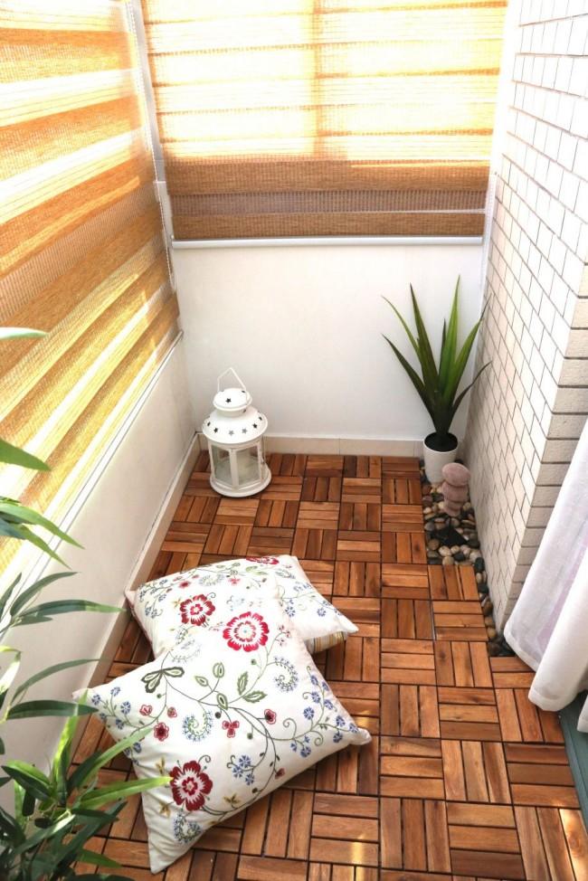Рулонные жалюзи - прекрасное решение для балкона на солнечной стороне