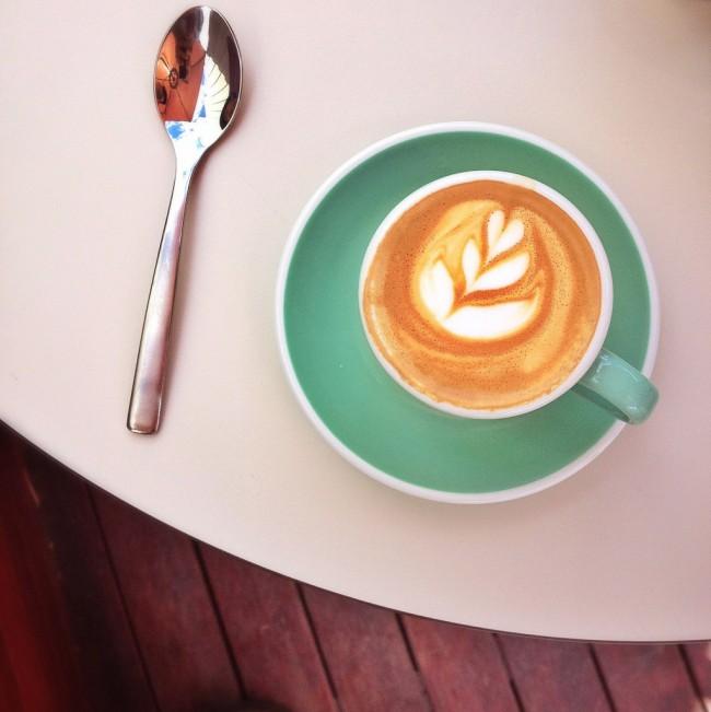 """Кофемашина для дома. Кофемашины каждый раз делают """"правильную"""" пенку, с которой можно порадовать домашних капуччино-артом"""