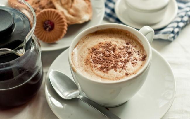 Кофемашина для дома. Кофемашина - весьма полезный кухонный аксессуар для любителей капуччино с упругой пенкой