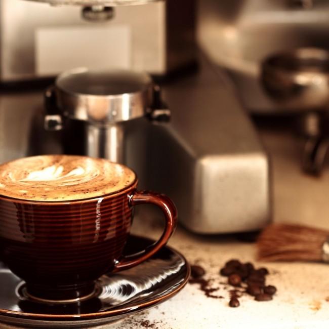 Кофемашина для дома. Кофемашина с легкостью приготовит вам чашечку мокаччино с упругой пенкой