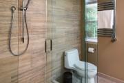 Фото 8 Душевые ограждения из стекла без поддона (55 фото): стиль и воздушность ванной комнаты