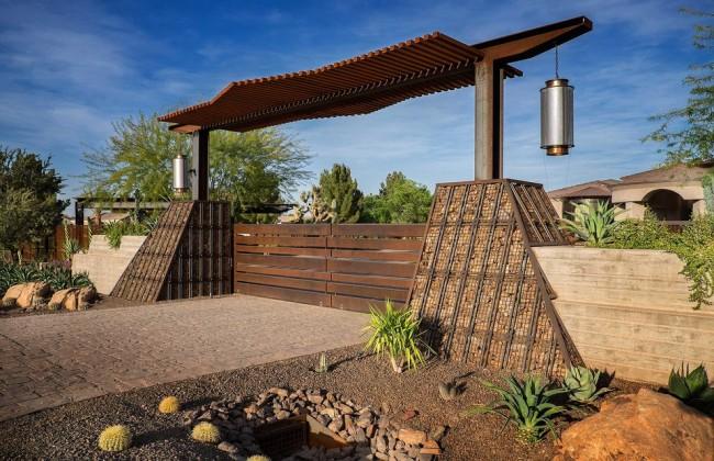 Габионы покатого вида могут быть декоративными, а могут использоваться и для сооружения небольшой плотины