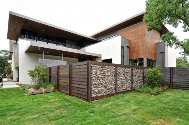Ржавая сталь и камни - основной материал для создания дизайна приусадебного участка в стиле rustic industrial