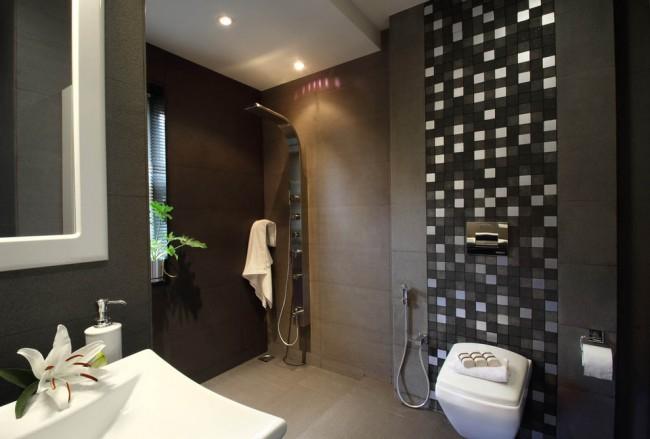 Гигиенический душ для унитаза со смесителем. Гигиеническим душем в санузлах оборудовано большинство отелей в странах юго-восточной Азии