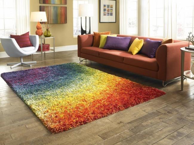 Ковры в интерьере гостиной. Полипропиленовые коврики с очень высоким ворсом отлично подходят для визуального объединения гостиной группы мебели