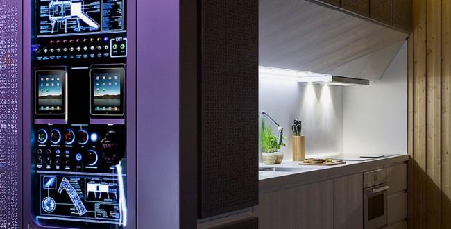 """Любовь заказчика к """"Зведным войнам"""" вдохновила дизайнеров на создание панели управления всех систем в доме"""