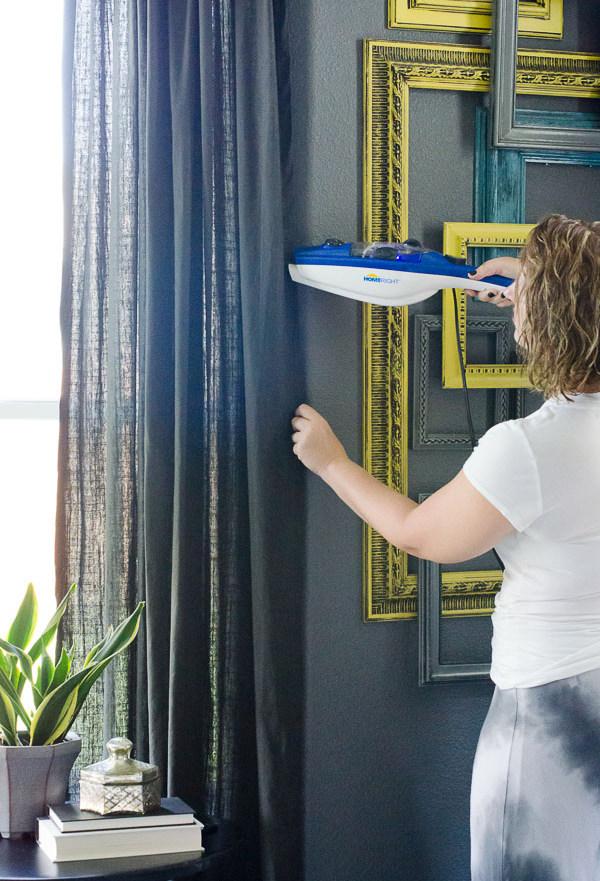Отпариватель для одежды. При выборе отпаривателя обратите внимание на номинальную продолжительность его непрерывной работы и длину шланга: это важный момент, если вы будете использовать его для уборки и ухода за шторами