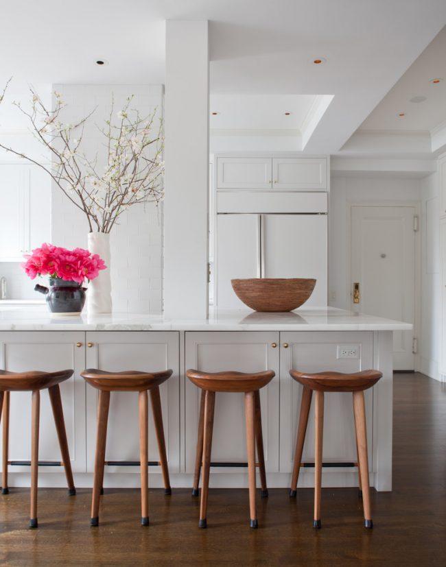 Развесистые ветви в интерьере кухни стиля минимализм