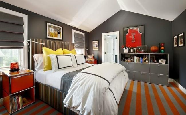 Яркий и одновременно сдержанный ковер - идеальное решение для комнаты юноши