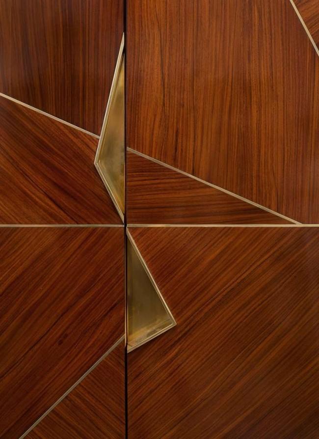 Асимметрия форм и оригинальность используемых материалов, «отсылают» к эстетике строгого, лаконичного пространства, в котором практически нет лишних деталей