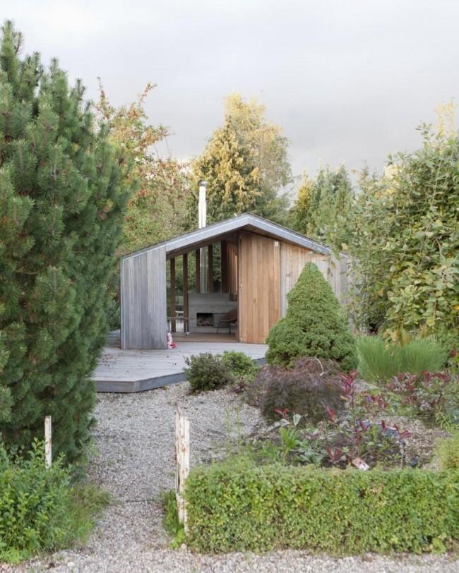 Dachnue_domiki_6_sotok_40Дизайн представленного дома доказывает, что вся элегантность в простоте