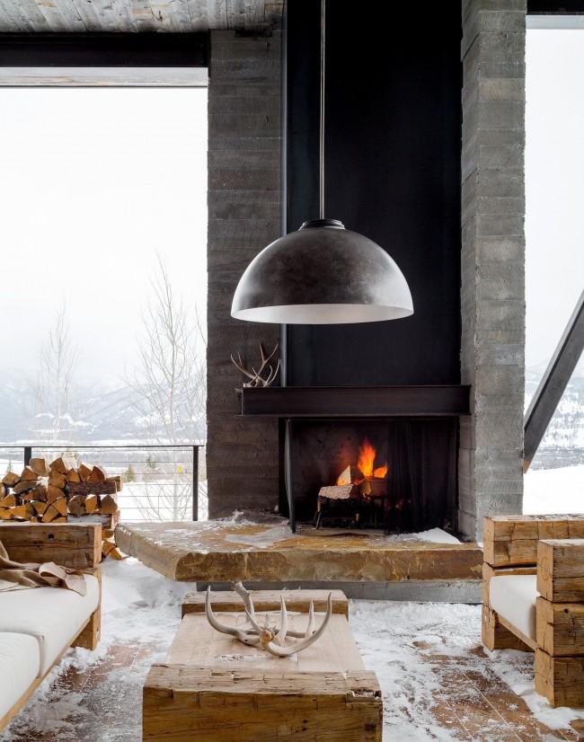 Как приятно в мороз и снег сидеть возле огня, слушать, как трещит дерево, ощущать тепло и уют домашнего очага