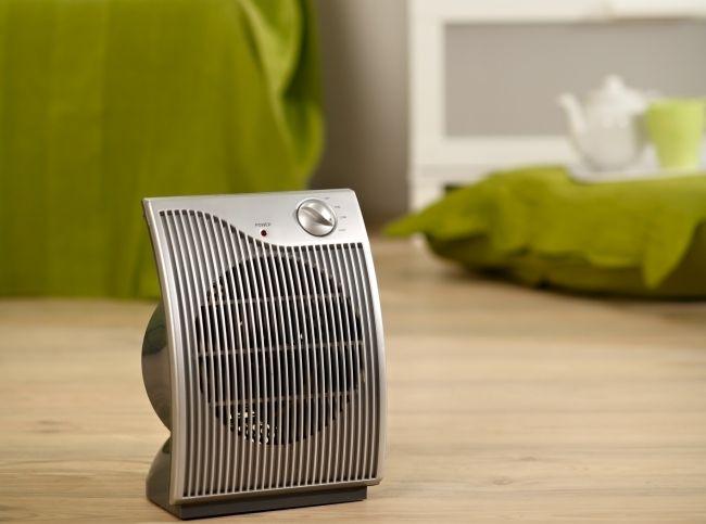 Тепловентилятор – это самый доступный вариант из электрических обогревателей