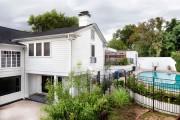 Фото 10 Кованые заборы: подбор правильной конструкции и 50 лучших решений для дома