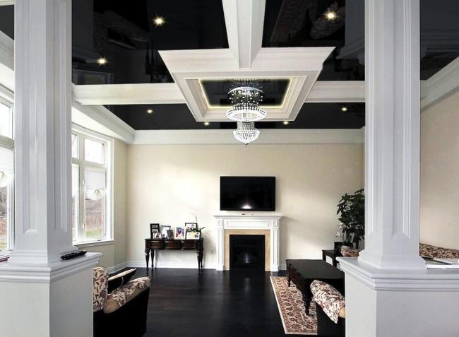 Гостиная с натяжным потолком в классическом стиле