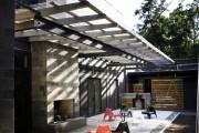 Фото 16 Навесы, пристроенные к дому, из поликарбоната (52 фото): функции, типы, плюсы и минусы
