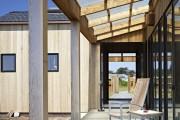 Фото 6 Навесы, пристроенные к дому, из поликарбоната (52 фото): функции, типы, плюсы и минусы