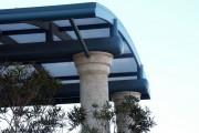 Фото 10 Навесы, пристроенные к дому, из поликарбоната (52 фото): функции, типы, плюсы и минусы
